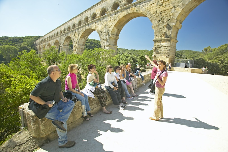 Independent tour guide with group of tourists